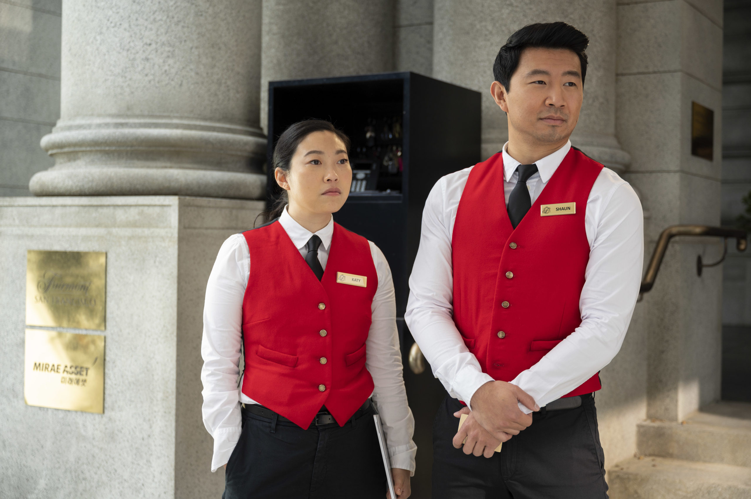 Les scènes mettant en scène Simu Liu et Awkwafina sont parmi les plus hilarantes du film