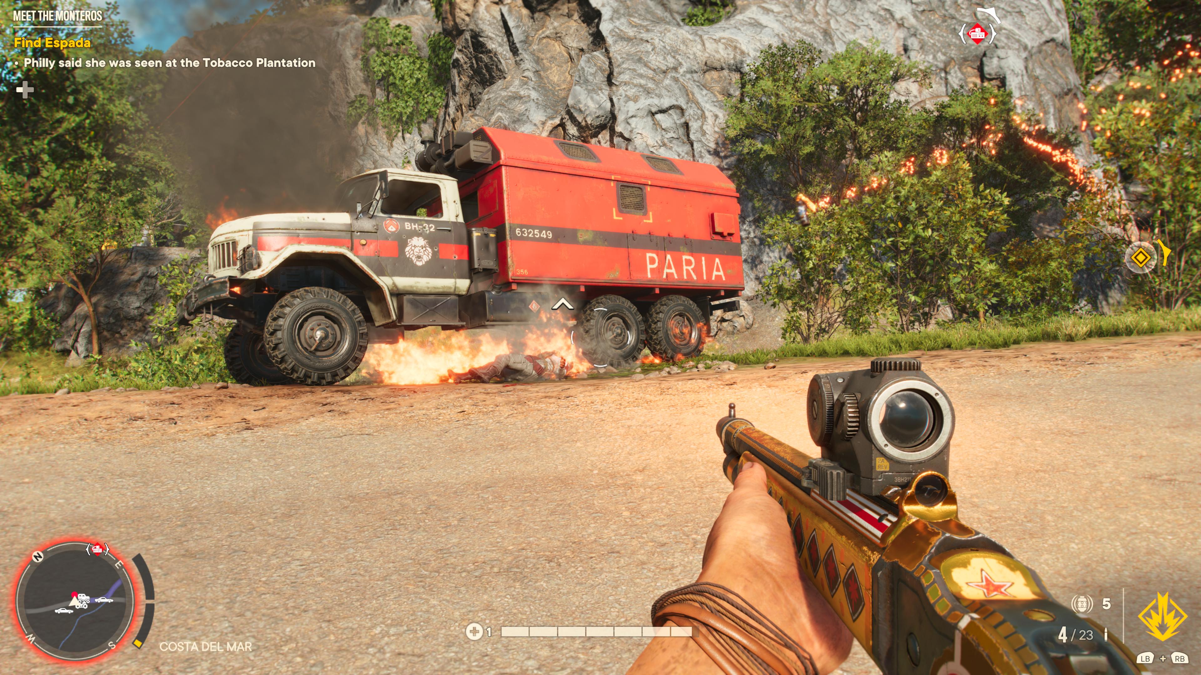 Les véhicules ennemis ont souvent un point faible, comme un réservoir d'essence qui vous permet de les éliminer rapidement